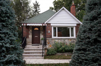 2 Sunnydale Drive, Etobicoke, 2 Bedrooms Bedrooms, ,1 BathroomBathrooms,Detached,For Sale,Sunnydale Drive,1018