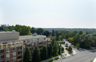 2 Old Mill Dr #810, Etobicoke, ,1 BathroomBathrooms,Condo,For Sale,Old Mill Dr #810,1025